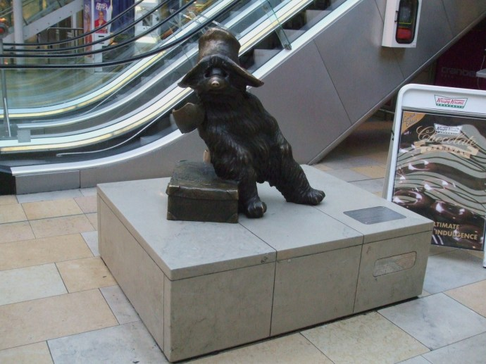 Paddington_station_Paddington_Bear_statue
