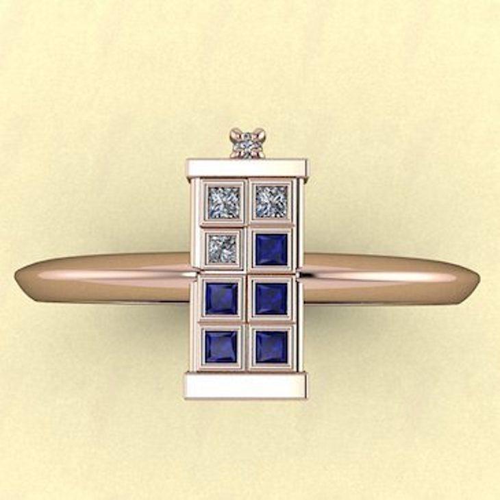 TARDIS-Ring-Single-Band-Gold