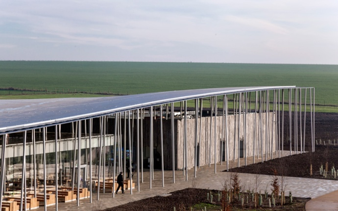 denton-corker-marshall-stonehenge-visitor-centre-designboom-04